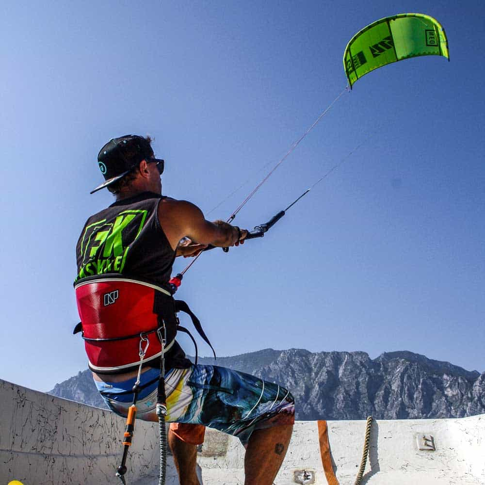 Easykite-2-instructor-kite