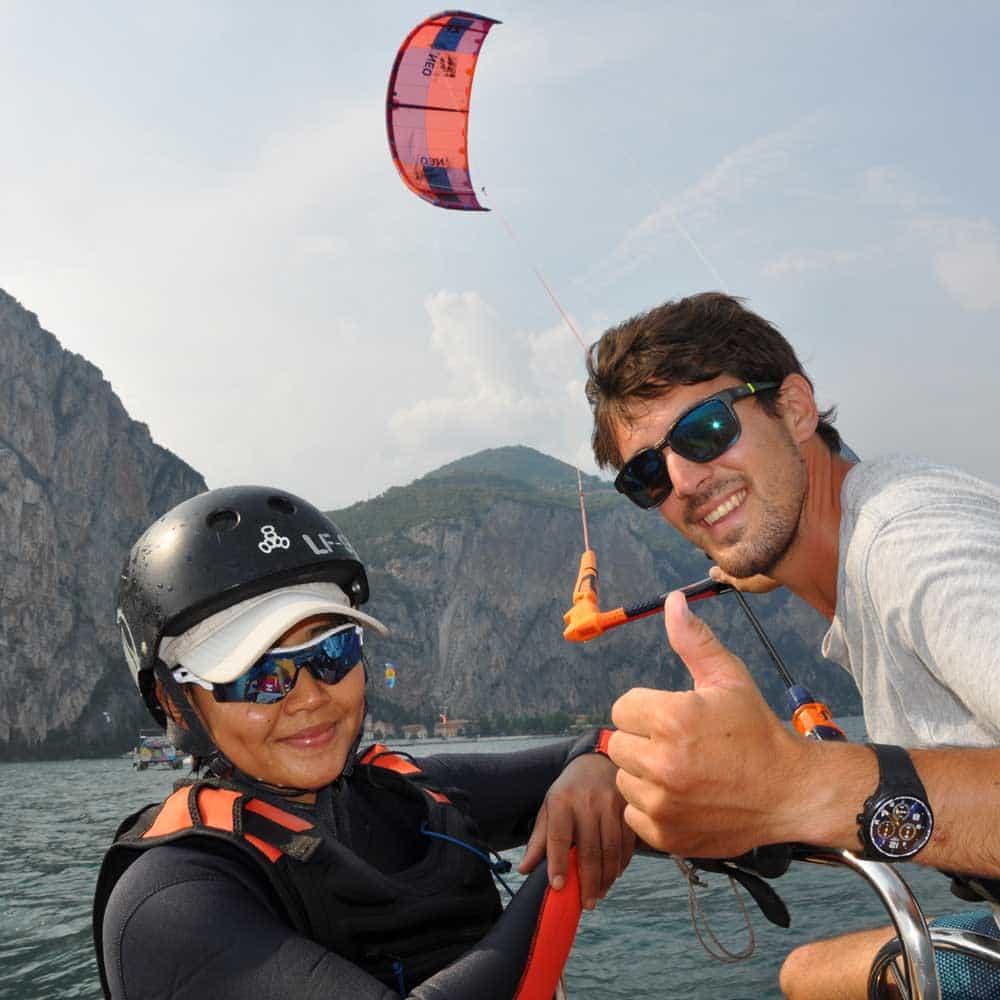 Easykite-3-instructor-boat-kite-mountains